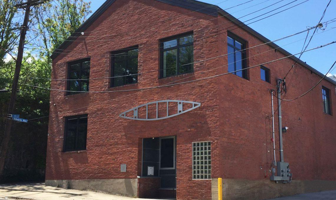 168-202_5 Green Canoe Building