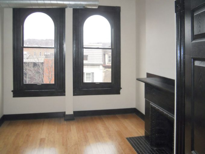 Landmark on Carson 1-Bedroom Apartment