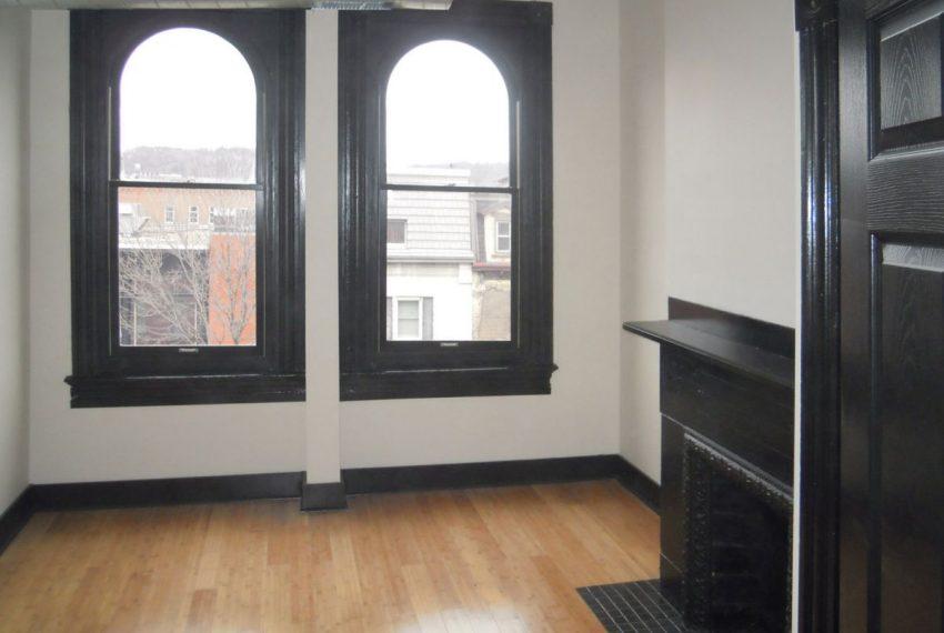 2012-3_1 Landmark on Carson 1-Bedroom