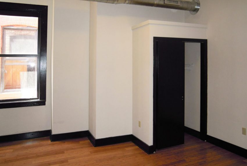 2012-3_4 Landmark on Carson 1-Bedroom