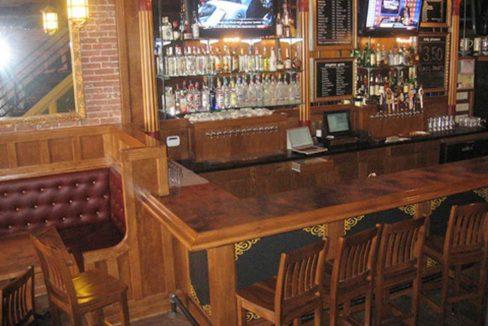 2132_5 2132 East Carson Restaurant
