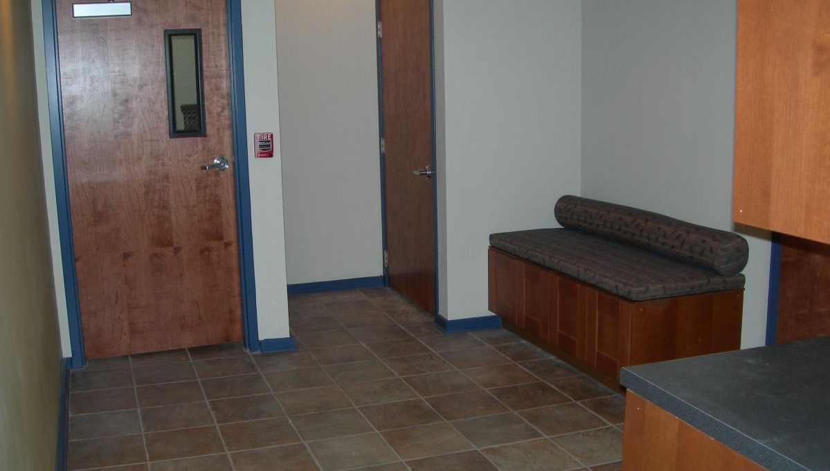 2429_OFFICE_3 2429 East Carson Office