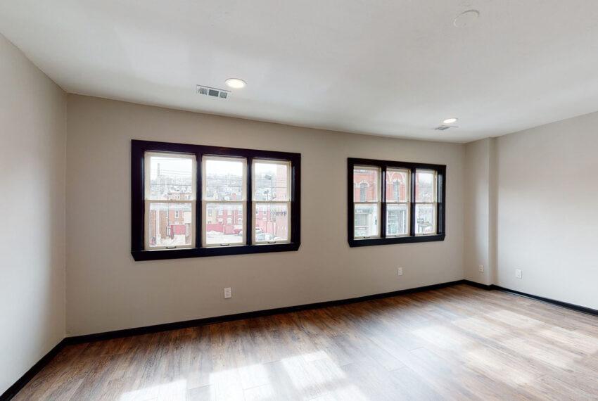 1819_East_Carson_3-BR_Apartment_10