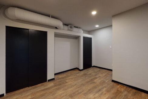 1819_East_Carson_3-BR_Apartment_11