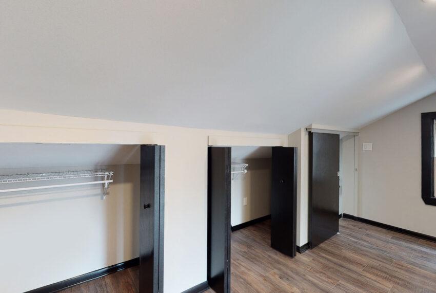 1819_East_Carson_3-BR_Apartment_14