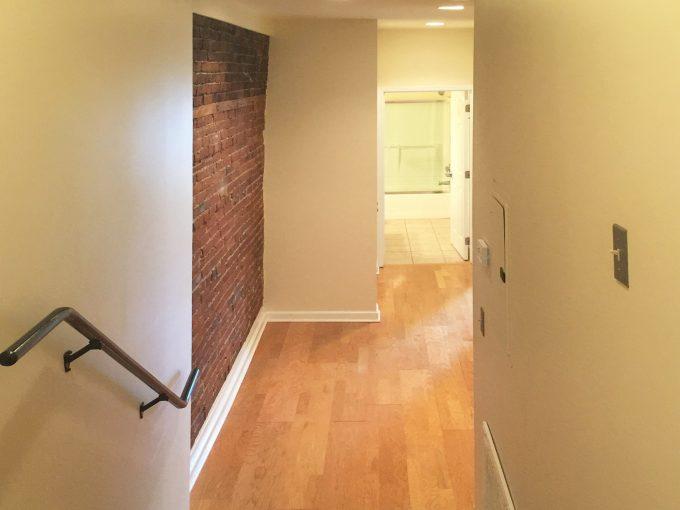 2520 East Carson Apartment
