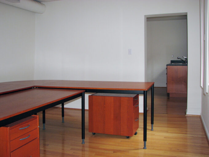 1819 East Carson - Second Floor Office Space