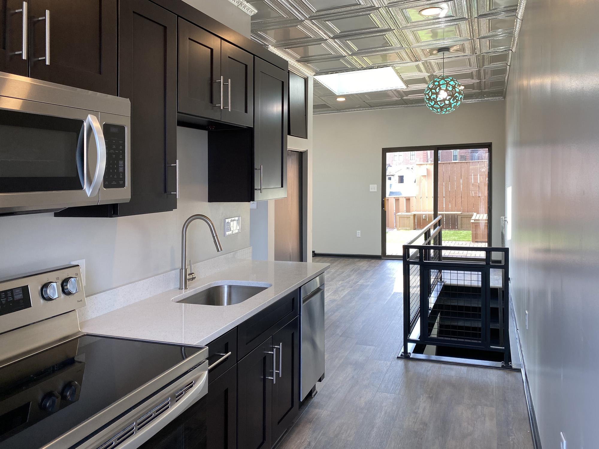 Tin Top Apartment 4